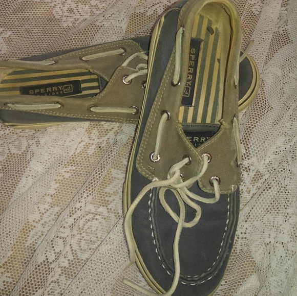 Women's Shoes *Well Worn
